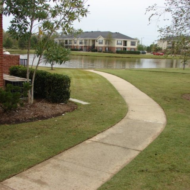 Windsor Lake Apartments, Brandon, MS - Safe Apartments