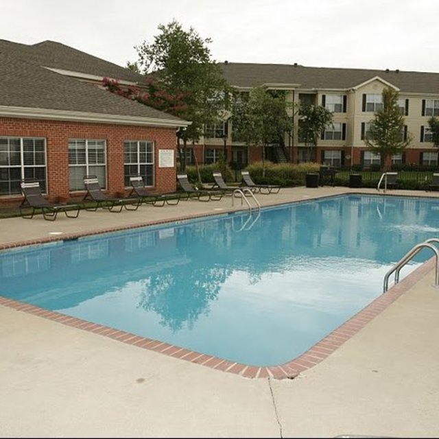 Windsor Lake Apartments, Brandon, MS - Pool 2