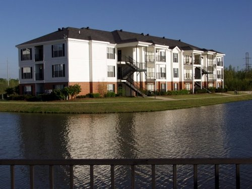 Windsor Lake Apartments, Brandon, MS - Walking Trails